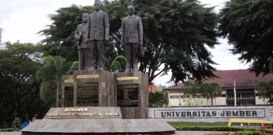 Mojok-Universitas-Jember[1]